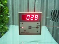 Digital Temperature/Humidity Indicator/ Controller