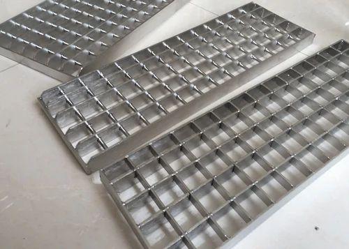 Stainless Steel Grating at Rs 310/kilogram | SS Grating, स्टेनलेस स्टील की  जाली - Seema Slotted Angles, Kanpur | ID: 19185120655