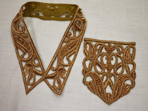 Zardosi gold collar handcrafted indian embroidered applique at rs