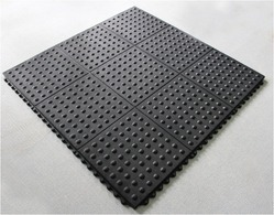 Anti Fatigue Rubber Mat (Semi Circle) Bubble Mat 3 Ft X 3 Ft Interlocking type