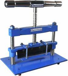 Sample Cutting Machine (Zig-Zag / Swatch)