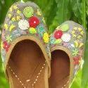 Flower Design Punjabi Jutti