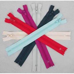 Plastic Chunky Zips