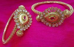 Shourya Exports Copper Kundan Bangle