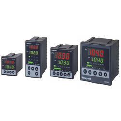 Honeywell Universal Digital Controller