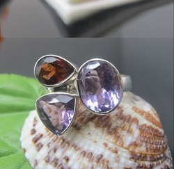 925 Handmade Garnet and Amethyst Ring, Weight: 6 Gram