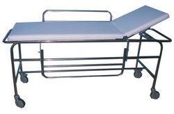 standard steel White Emergency Stretcher Trolley, Size: 84x30x32