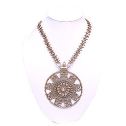 Female Party Wear Silver Necklace
