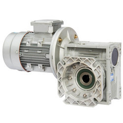 Three Phase 0.12~160 Kw Three Stage Helical DC Gear Motor, 0.05~1077 V