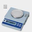 Shimadzu ELB 300 Portable Electronic Balance