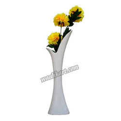 Off White -Y Shaped Fancy Flower Vase-long Shaped