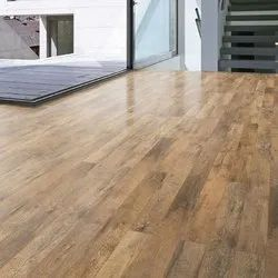 Brown Residential Laminate Wooden Flooring for Indoor, Thickness: 8 mm