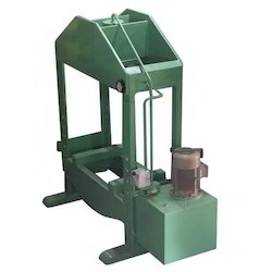 Mild Steel Motorised Hydraulic Press Machine, Capacity: >100 Ton, 440 V