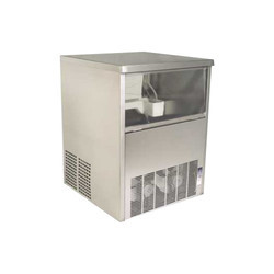 Dice Stainless Steel Ice Cube Maker IC-50, Production Capacity: 50 kg