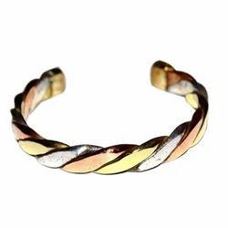 Twisted Bracelet