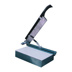 Manual Guillotine Type Sample Cutter