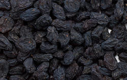 1 kg Dried Black Grapes, Packaging: Vacuum Bag