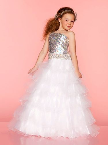 12a38e5f6e5c White Christmas Gown at Rs 750  piece