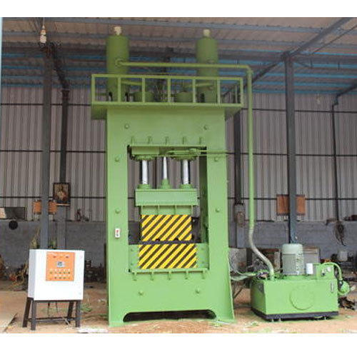 Manufacturer of Coco Peat Block Making Machine & Coir Pith Grow Bag