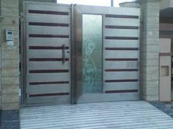 Stainless Steel Gate In Delhi सटनलस सटल गट