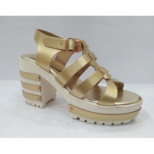 3787bcde5 Ladies Golden Fancy Sandal