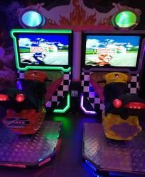 Red & Black Electric Two Players Tt Bike 42 Simulator Racing Arcade Game Machine