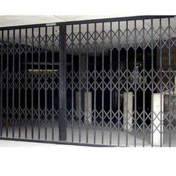 Horizontal Black Security Collapsible Gate, For Industrial,Commercial