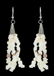 White & Grey Color Chips With White Glass Bead / Pearl Bead With Cris Cap Earring