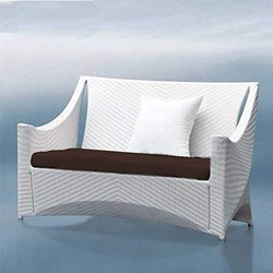 Universal Furniture Patio Elegant Design Sofa with Cushions