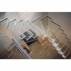 Spiral Rectanglar Toughened Glass Staircase, For Residential