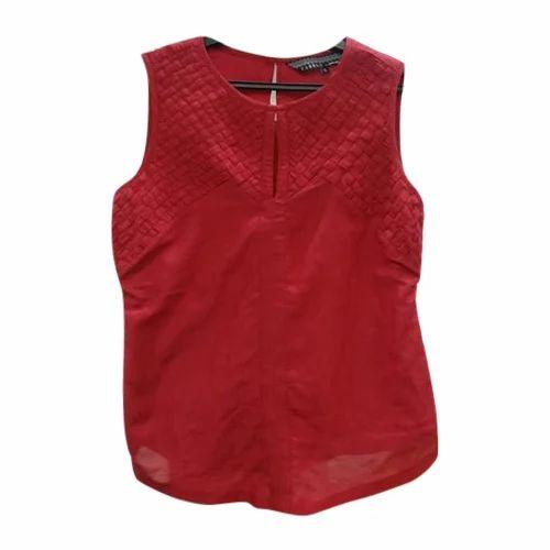 7cc7e526ac4d8 Maroon Plain Ladies Red Sleeveless Top