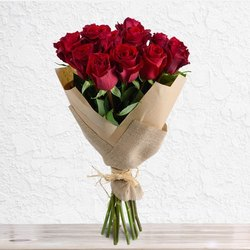 Red Rose Bouquet, Packaging Type: Cellophane