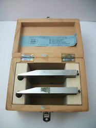 Disposable Microtome Blade Attachment