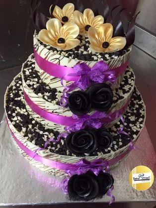 Chocolate Creamy Design Round Cake Baker Street Hyderabad Id