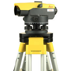 Leica NA 332 Surveying Instruments