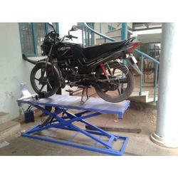 Two Wheeler Lifting Equipment for Garage