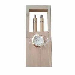 Brown Wooden Gift Set