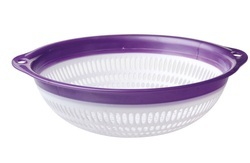 Small Plastic Colander with Ring