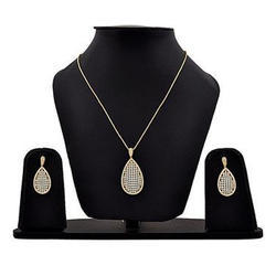 3A Overseas Artificial Necklace Set