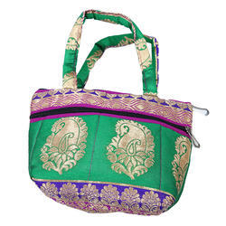 Traditional Shoulder Bags
