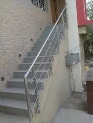 Toughened Stairs SS STAIRCASE RAILING, For HOME AND HOTEL