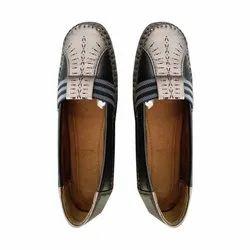 Silvia Ladies Flat Shoe, Size: 5-8