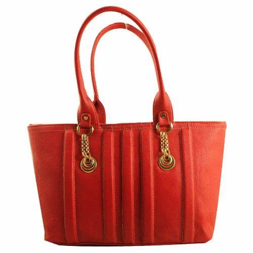 Girls Chain Handle Handbag at Rs 430  piece   Ladies Hand Bags   ID ... c38c8c567f