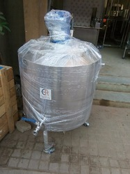 HDPE 750L Industrial Water Storage Tank, Capacity: 150 to 500 L