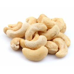 MB Raw W 320 Whole Cashew Nuts, Packaging Type: Vacuum Bag, Packing Size: 50 Kg