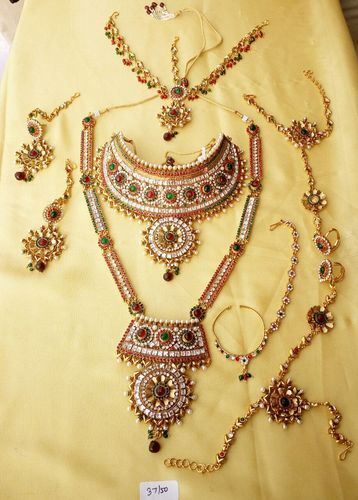 Bridal & Wedding Party Jewelry Indian Women Bridal Necklace Set Gold Plated Zircon Fashion Jewelry Wedding Wear