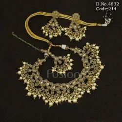 Traditional Mehandi Polish Pearl Necklace Set