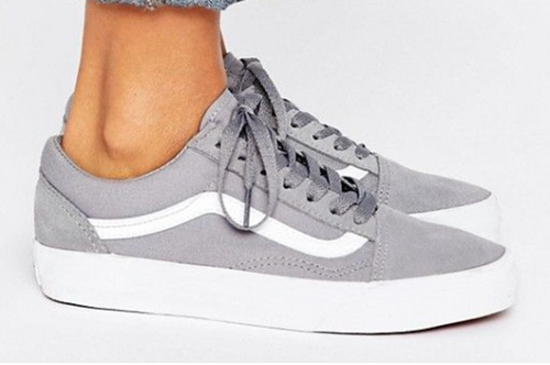 Leather Uptown Grey sneaker, Rs 699