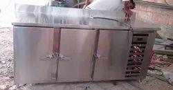 Stainless Steel Commercial Freezer, Storage Capacity: 500 L, Single Door