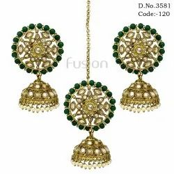 Mehendi Polish Earring Tikka Combo Set